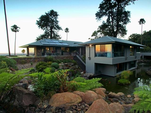 Frecklington Residence